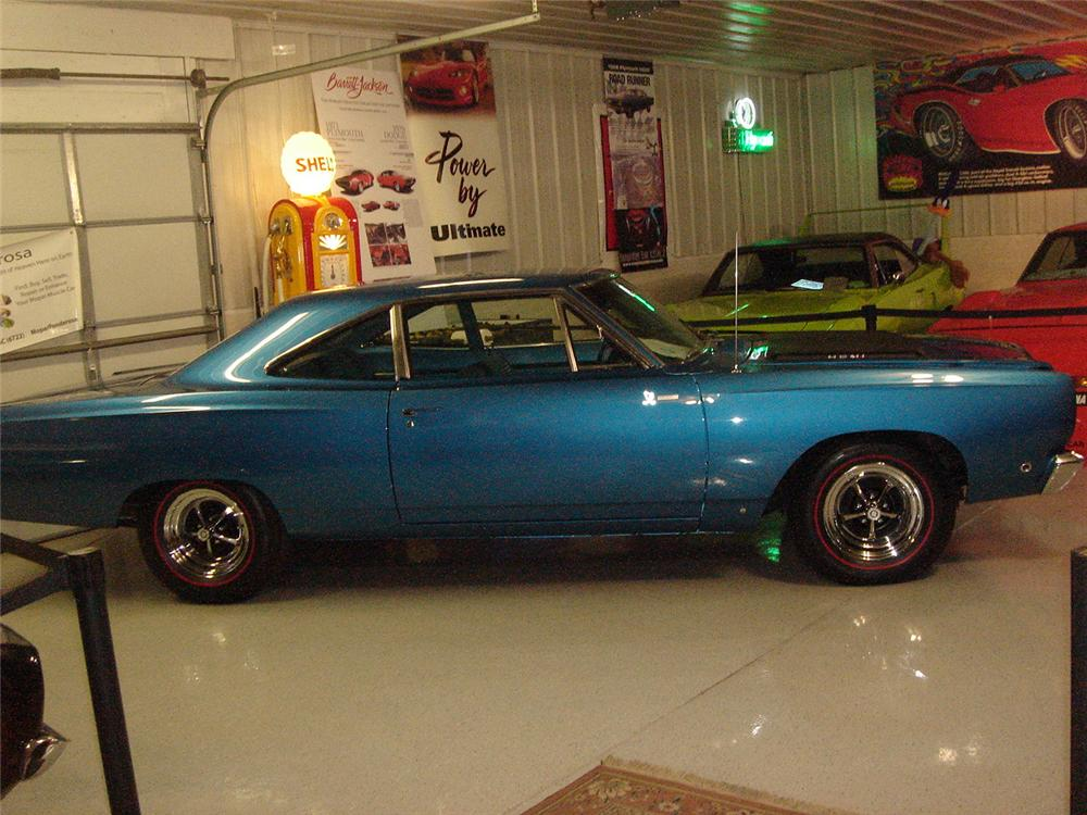 1968 PLYMOUTH HEMI ROAD RUNNER 2 DOOR HARDTOP - Side Profile - 157537