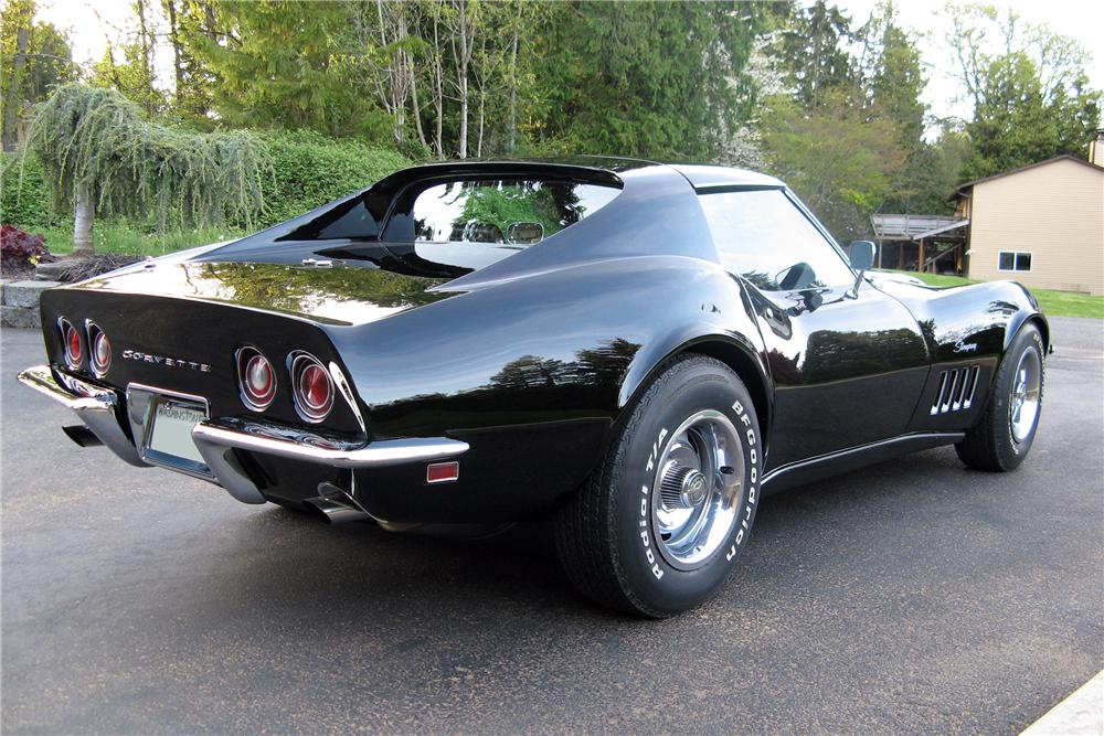 1969 CHEVROLET CORVETTE 2 DOOR COUPE - Rear 3/4 - 157545