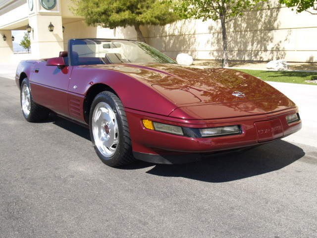 1993 CHEVROLET CORVETTE CONVERTIBLE - Front 3/4 - 157547