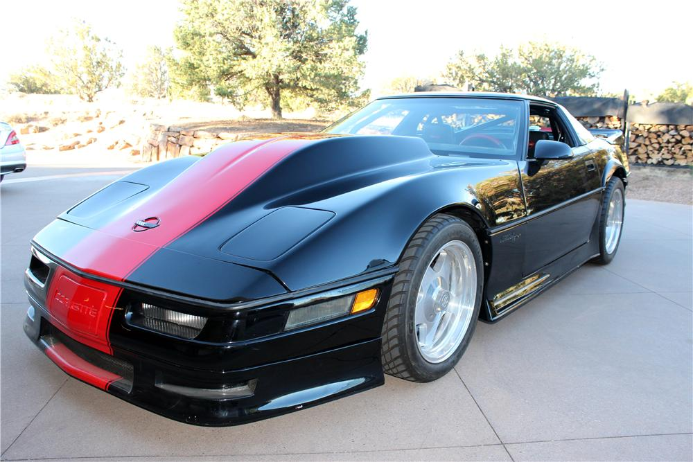 1985 CHEVROLET CORVETTE CUSTOM 2 DOOR COUPE - Front 3/4 - 157563