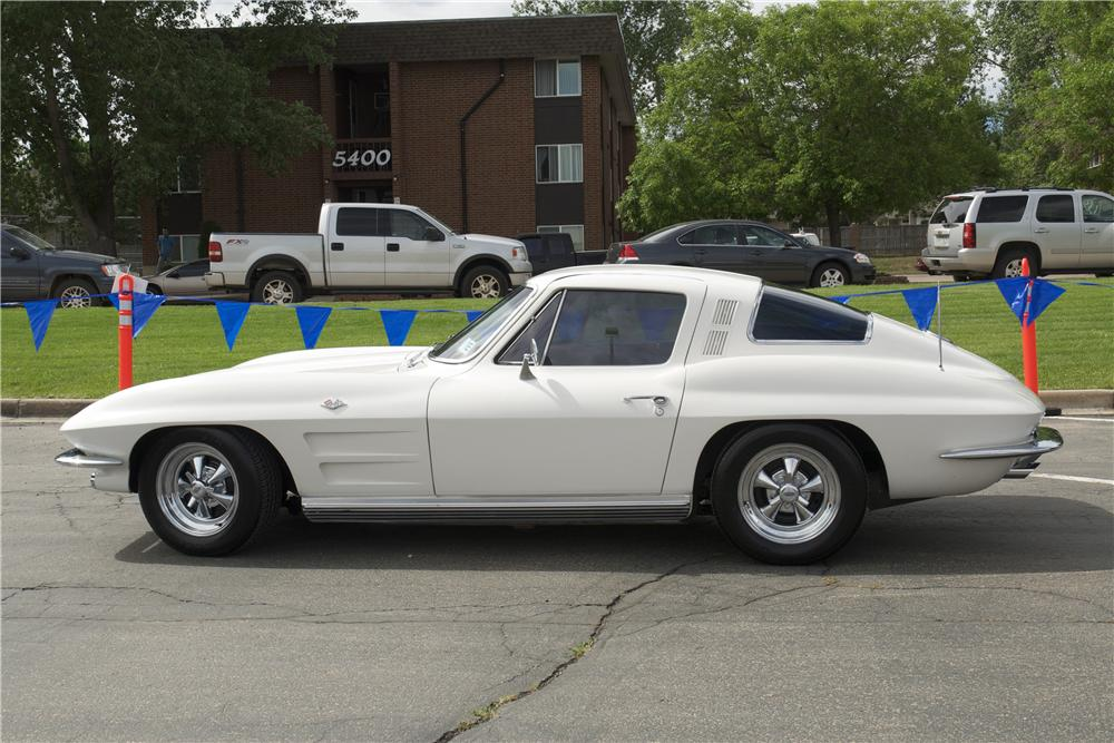 1964 CHEVROLET CORVETTE 2 DOOR COUPE - Side Profile - 157576