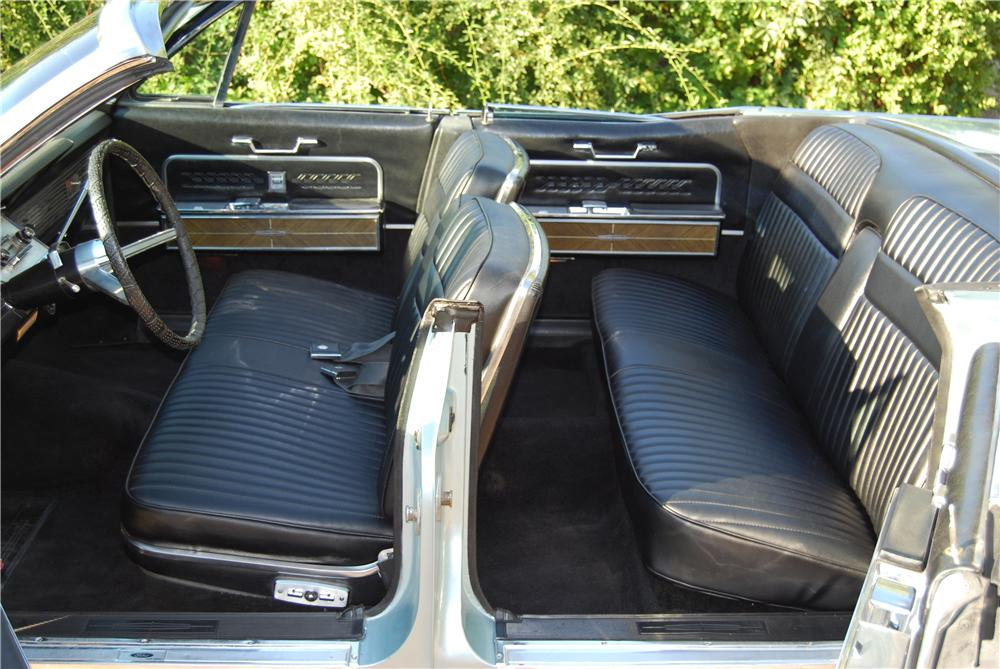 1966 LINCOLN CONTINENTAL CONVERTIBLE - Interior - 157577