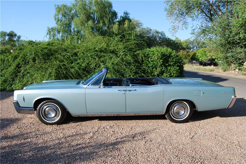 1966 LINCOLN CONTINENTAL CONVERTIBLE - Side Profile - 157577