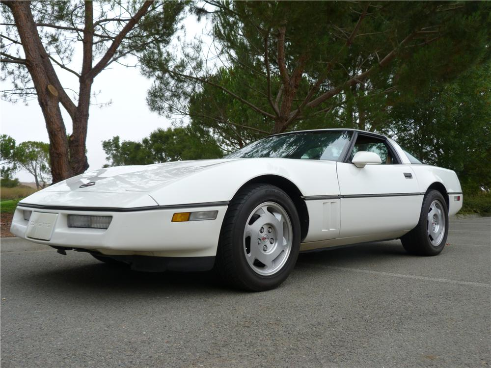 1988 CHEVROLET CORVETTE 2 DOOR COUPE - Front 3/4 - 157581