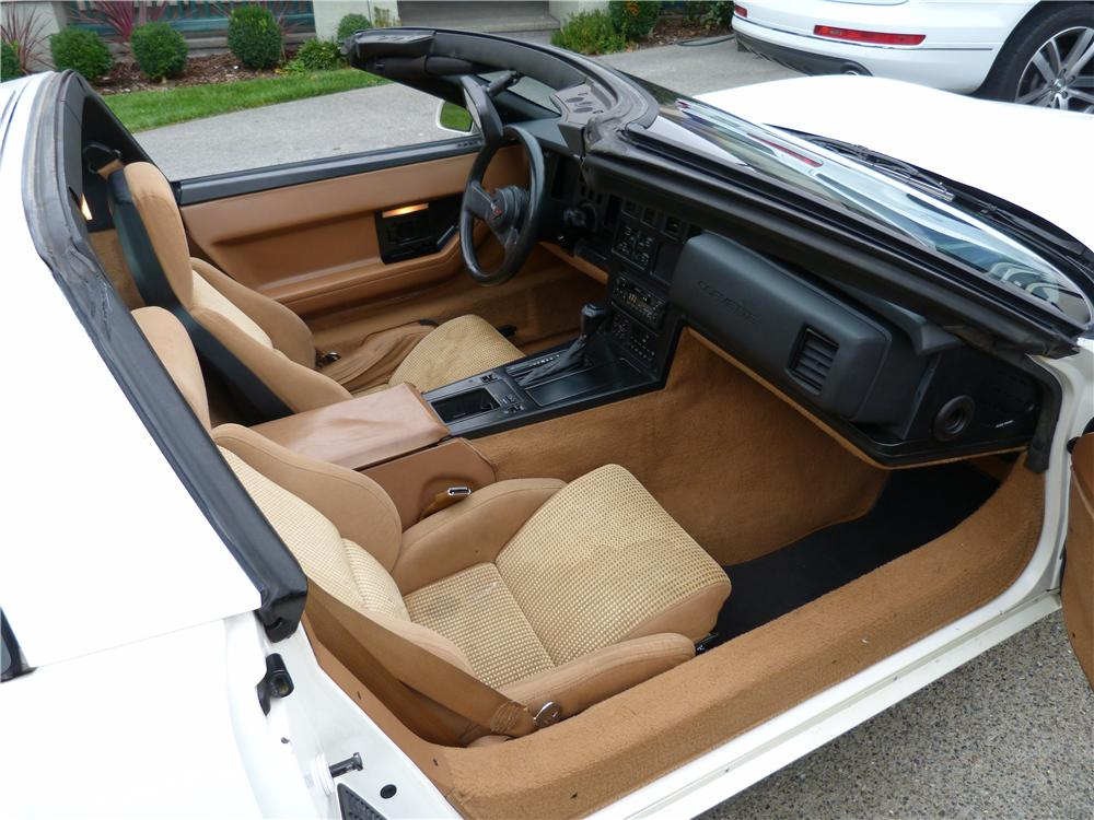 1988 CHEVROLET CORVETTE 2 DOOR COUPE - Interior - 157581
