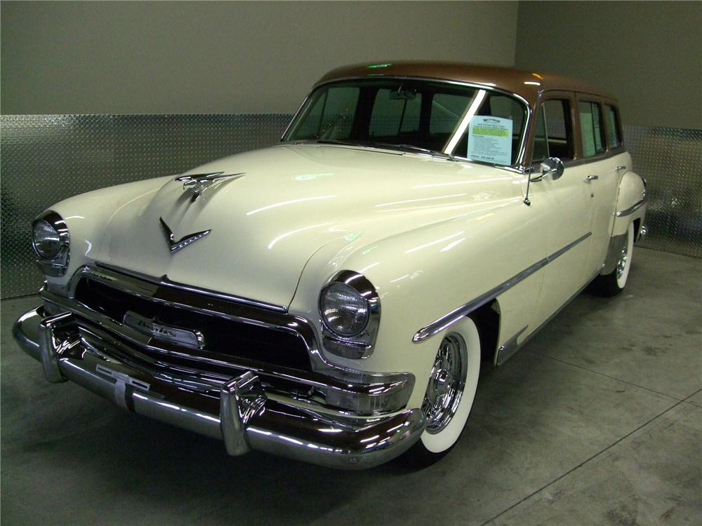 1954 CHRYSLER NEW YORKER STATION WAGON - Front 3/4 - 157588