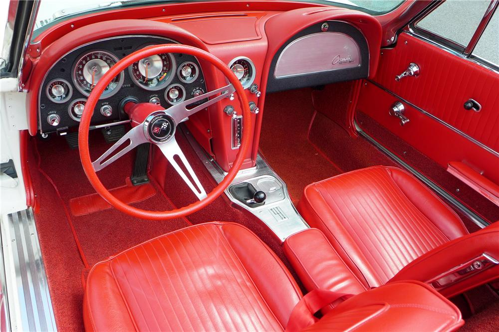 1963 CHEVROLET CORVETTE CONVERTIBLE - Interior - 157595
