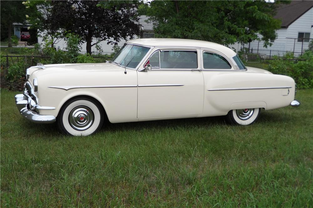 1953 PACKARD CLIPPER 2 DOOR COUPE - Side Profile - 157615
