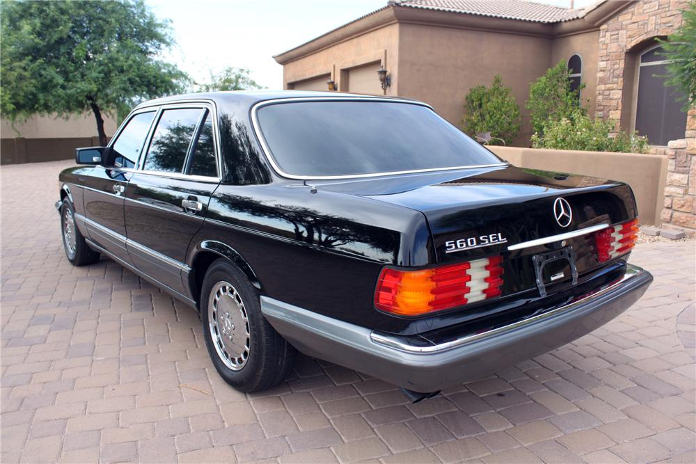 1991 MERCEDES-BENZ 560SEL 4 DOOR SEDAN - Rear 3/4 - 157634