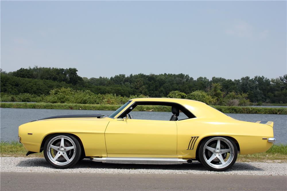 1969 CHEVROLET CAMARO CUSTOM 2 DOOR COUPE - Side Profile - 157645