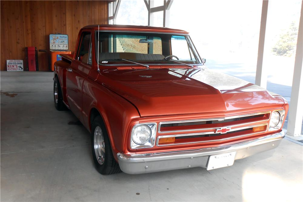 1968 CHEVROLET C-10 CUSTOM PICKUP - Front 3/4 - 157649