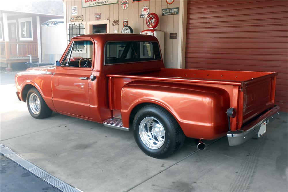 1968 CHEVROLET C-10 CUSTOM PICKUP - Rear 3/4 - 157649