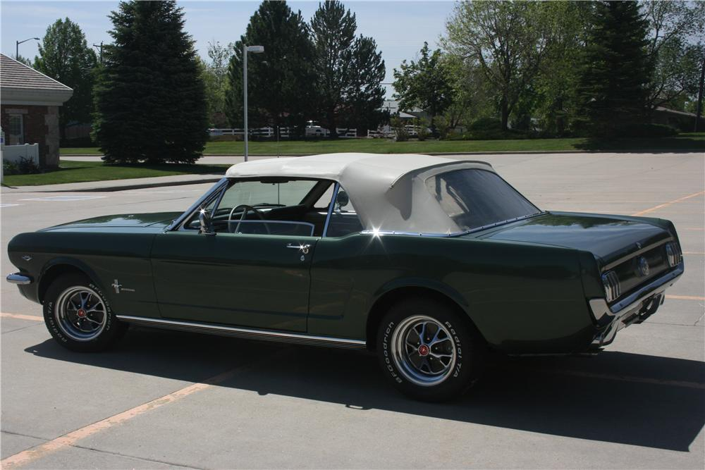 1966 FORD MUSTANG CONVERTIBLE - Rear 3/4 - 157670