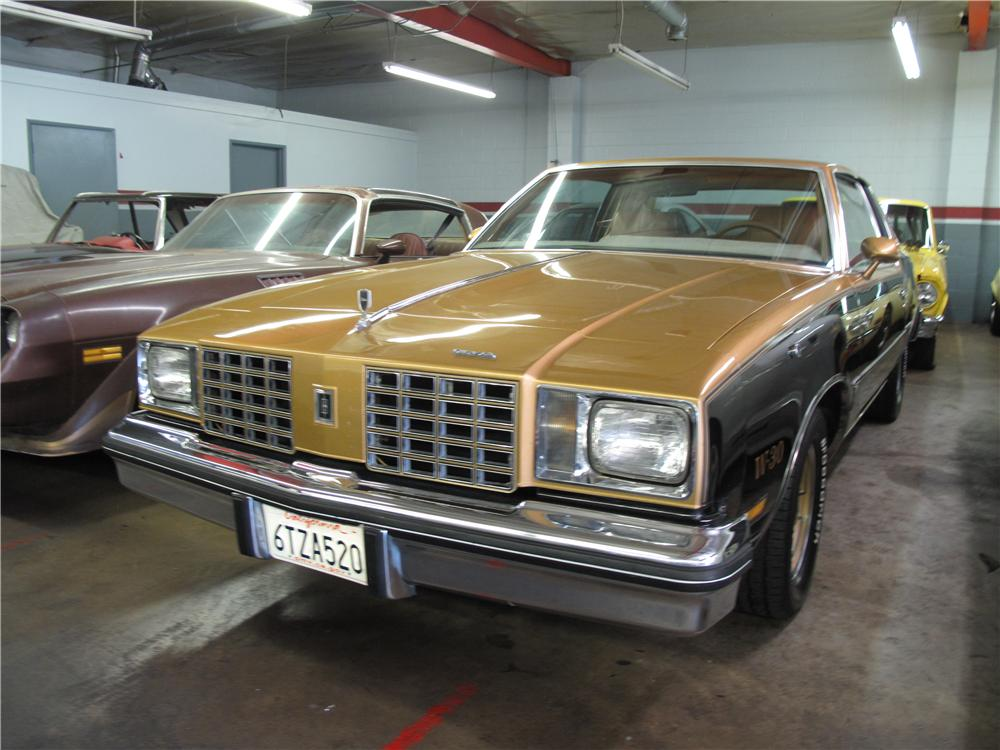 1979 OLDSMOBILE HURST W30 2 DOOR COUPE - Front 3/4 - 157671