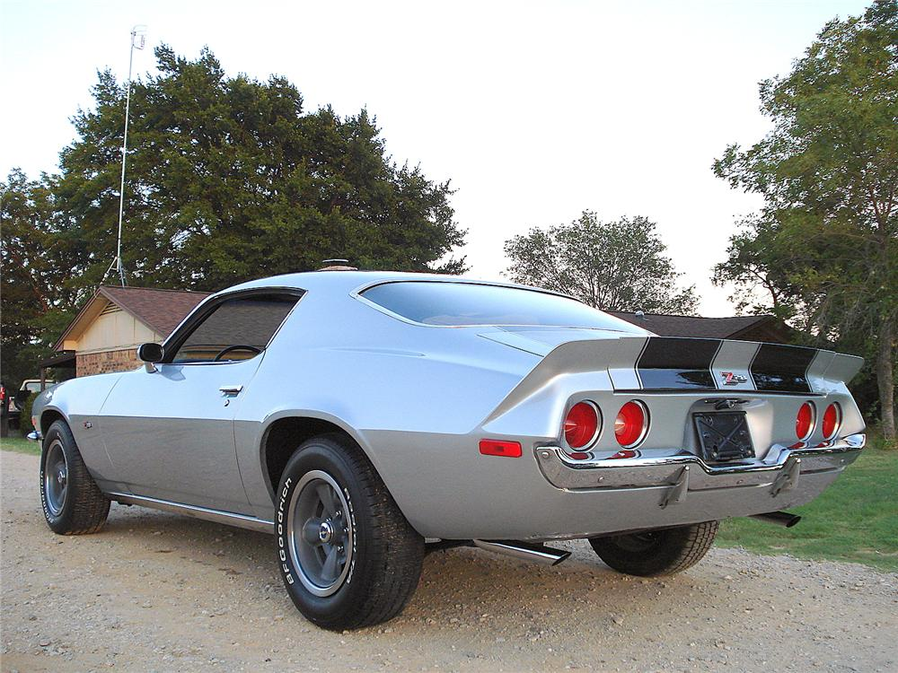 1971 CHEVROLET CAMARO Z/28 COUPE - Rear 3/4 - 157676