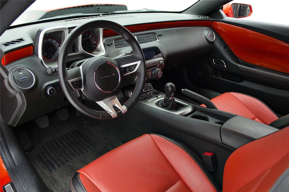 2010 CHEVROLET CAMARO 2SS 2 DOOR COUPE - Interior - 157681