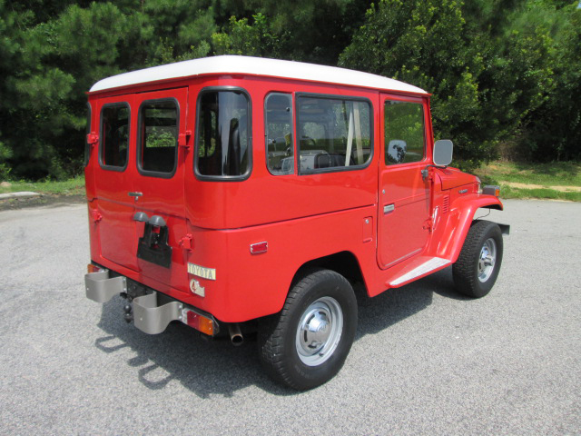 1975 TOYOTA LAND CRUISER FJ-40 SUV - Rear 3/4 - 157683