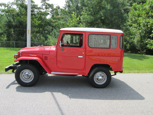 1975 TOYOTA LAND CRUISER FJ-40 SUV - Side Profile - 157683