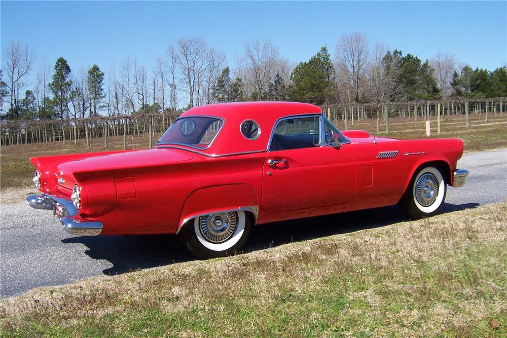 1957 FORD THUNDERBIRD CONVERTIBLE - Side Profile - 157704