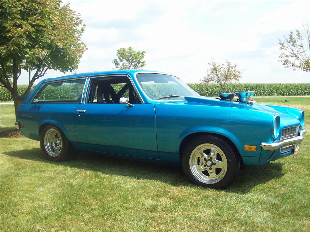 1972 CHEVROLET VEGA CUSTOM WAGON - Front 3/4 - 157705