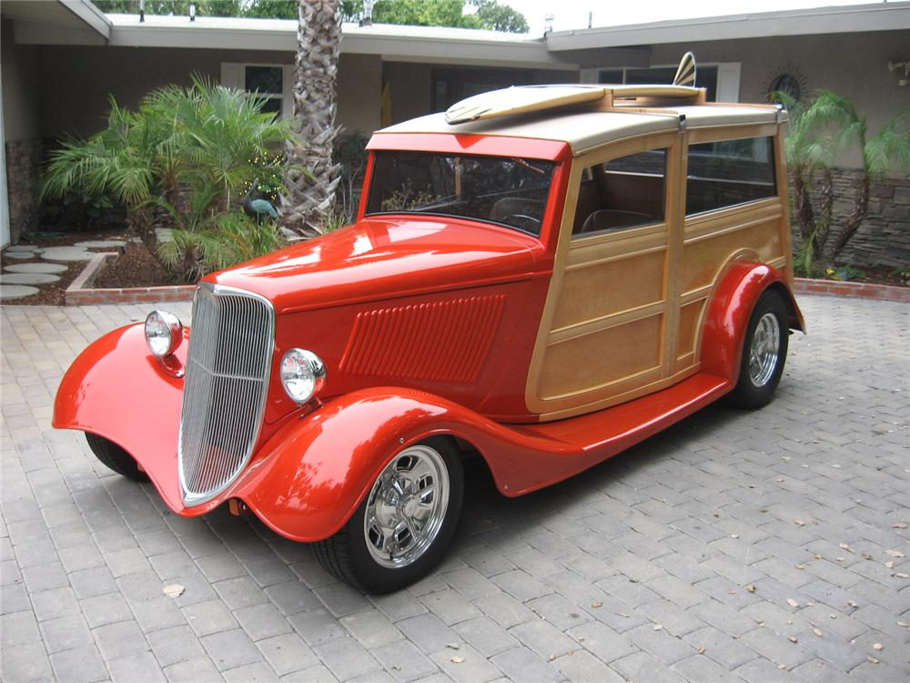 1933 FORD CUSTOM WOODY WAGON - Front 3/4 - 157707