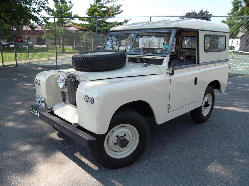 1965 LAND ROVER SERIES IIA  - Front 3/4 - 157733