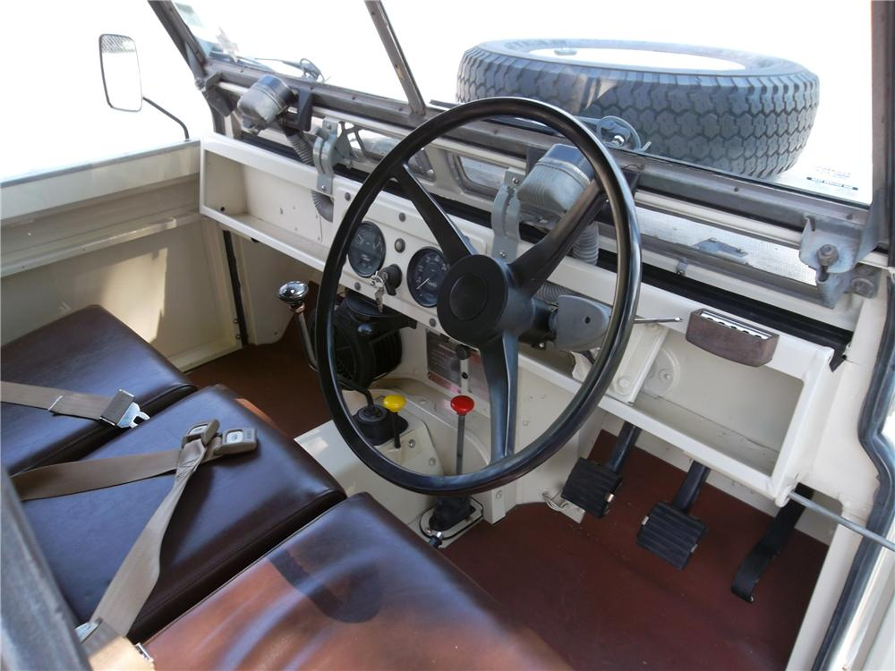 1965 LAND ROVER SERIES IIA  - Interior - 157733