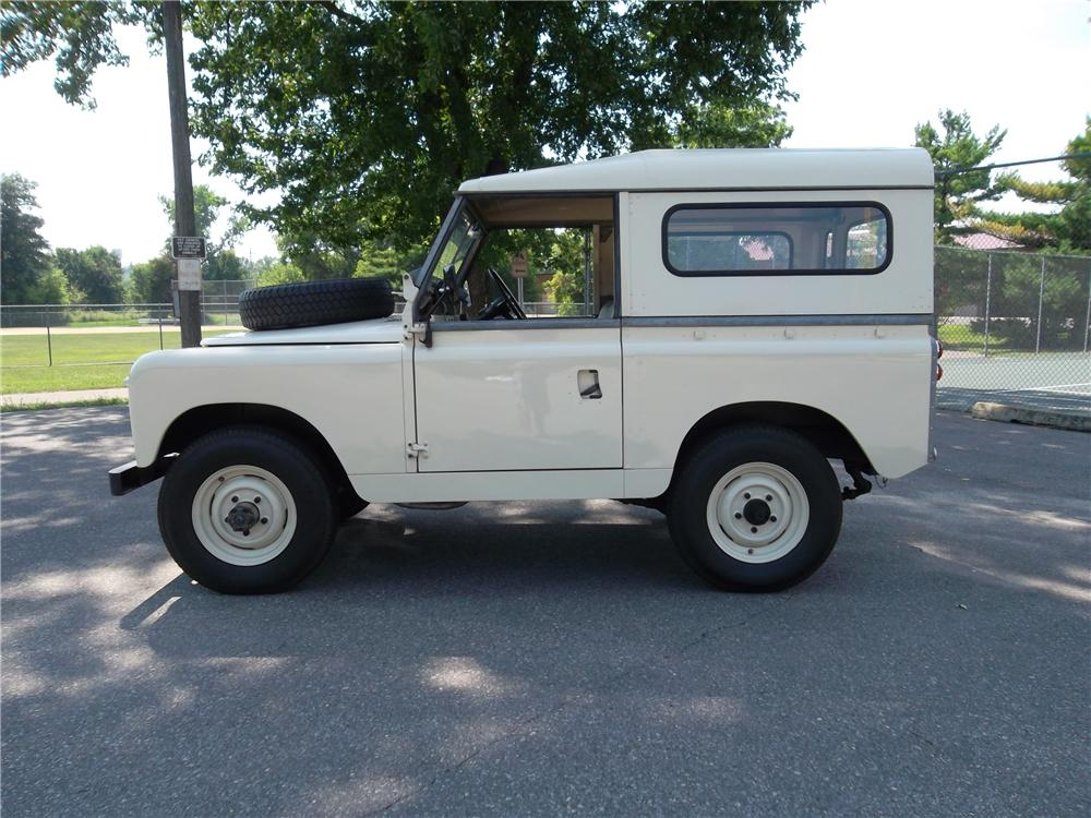 1965 LAND ROVER SERIES IIA  - Side Profile - 157733