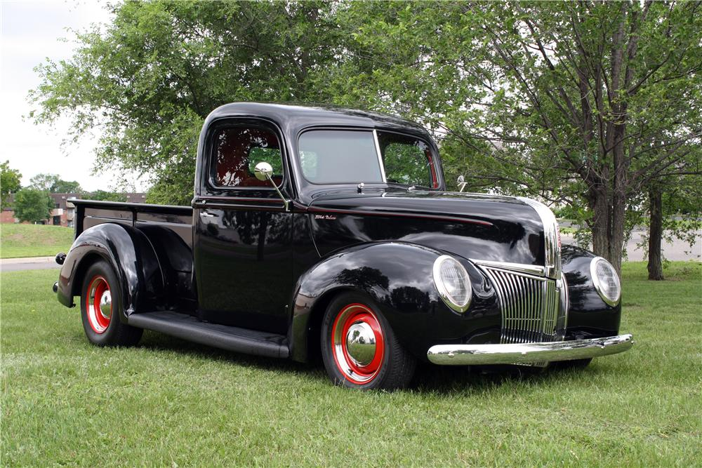 1941 FORD CUSTOM PICKUP - Front 3/4 - 157744