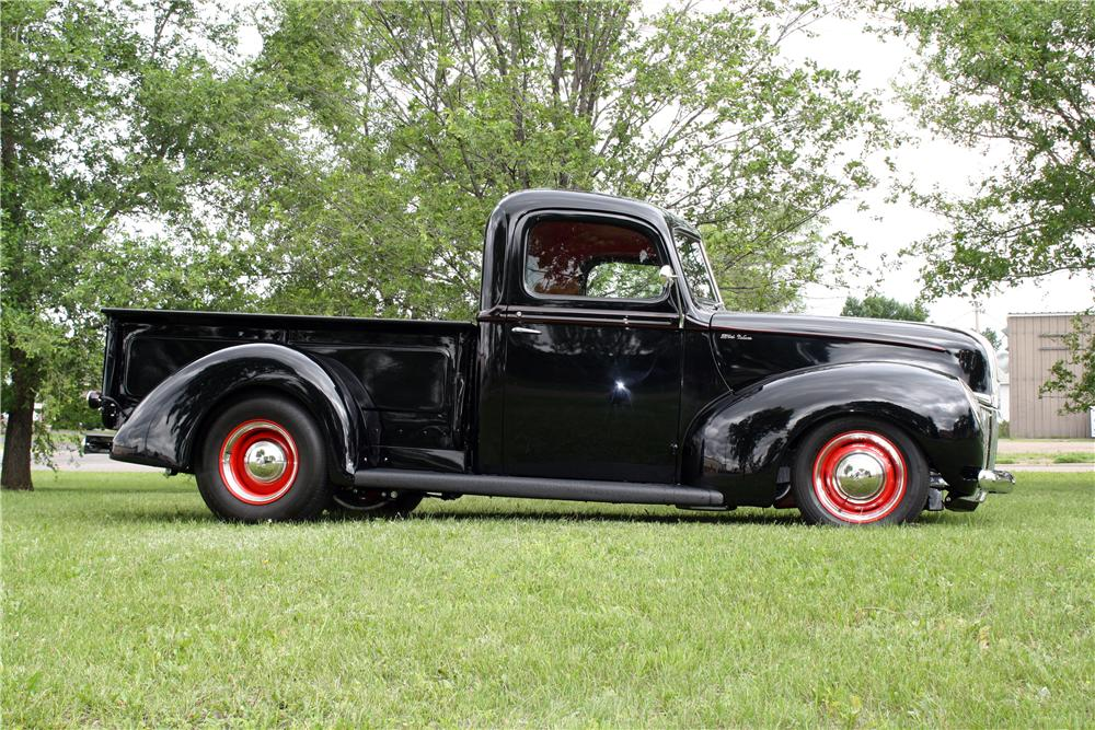 1941 FORD CUSTOM PICKUP - Side Profile - 157744