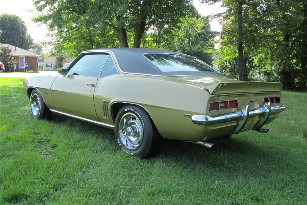 1969 CHEVROLET CAMARO 2 DOOR COUPE - Rear 3/4 - 157750