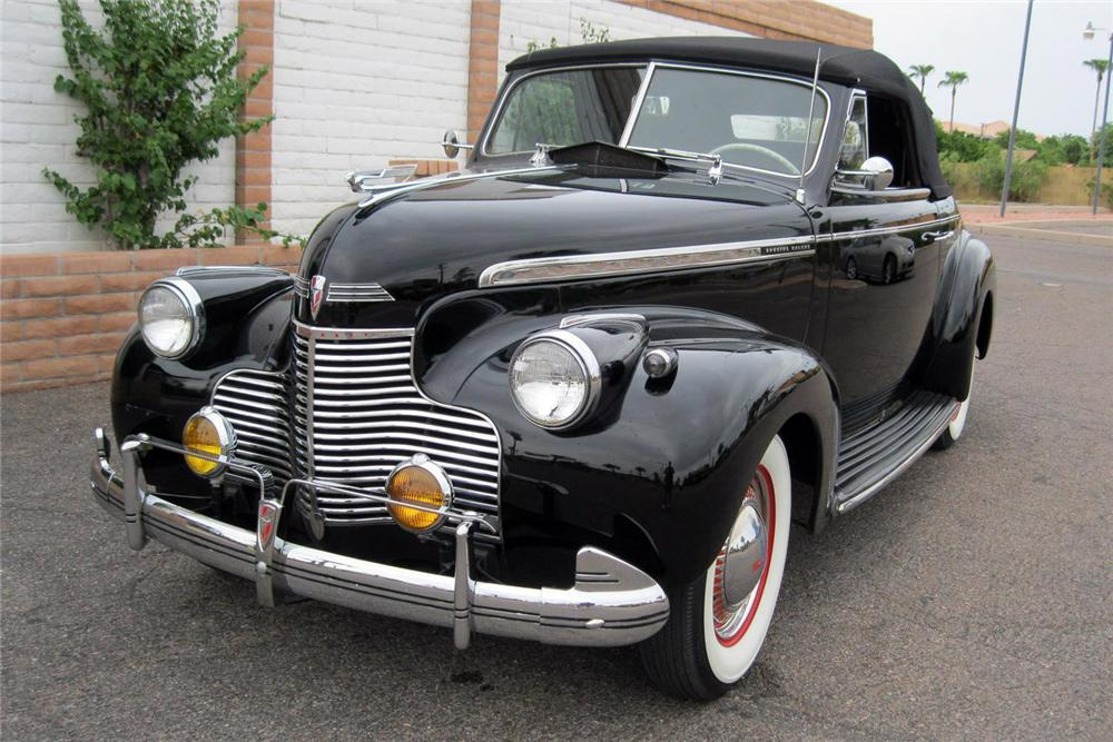 1940 CHEVROLET SPECIAL DELUXE CONVERTIBLE - Front 3/4 - 157787