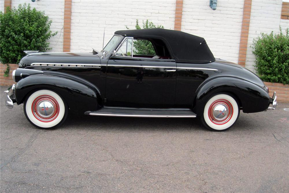 1940 CHEVROLET SPECIAL DELUXE CONVERTIBLE - Side Profile - 157787