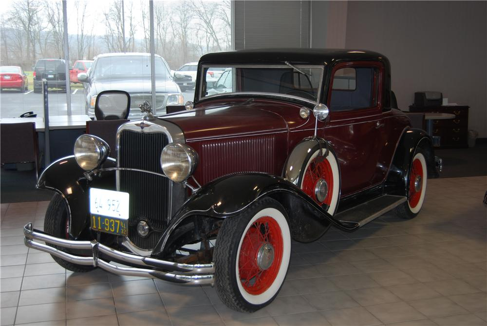 1932 DODGE COUPE - Front 3/4 - 157793