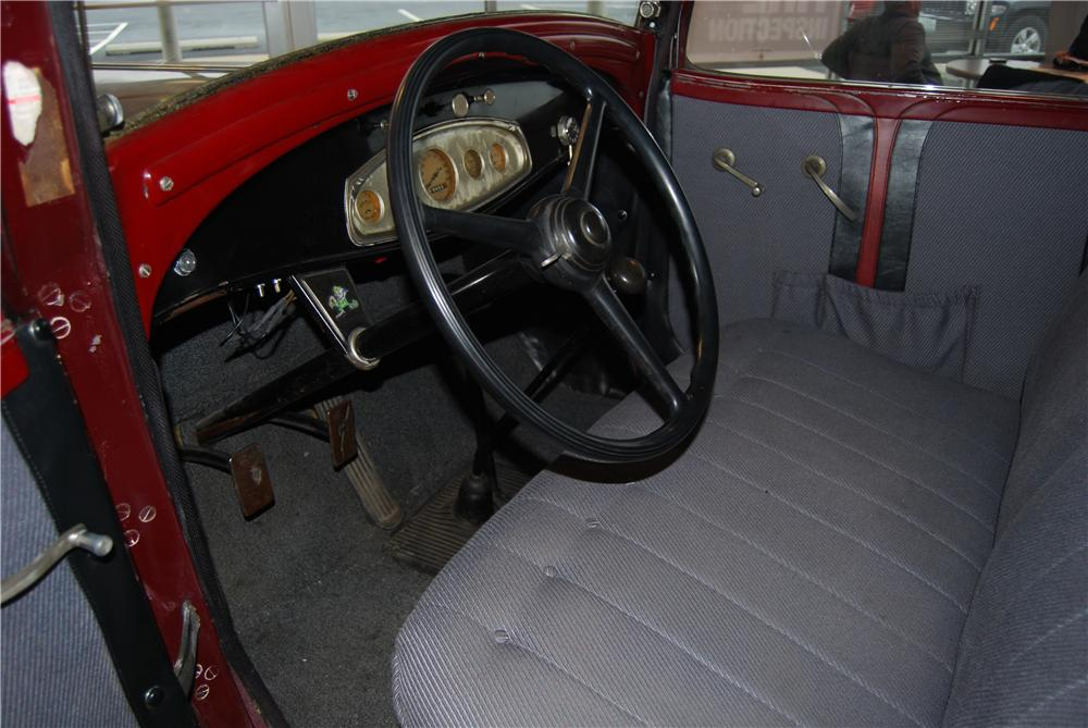 1932 DODGE COUPE - Interior - 157793