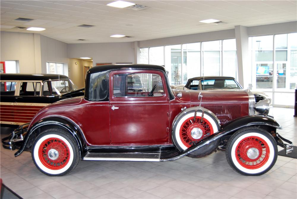 1932 DODGE COUPE - Side Profile - 157793