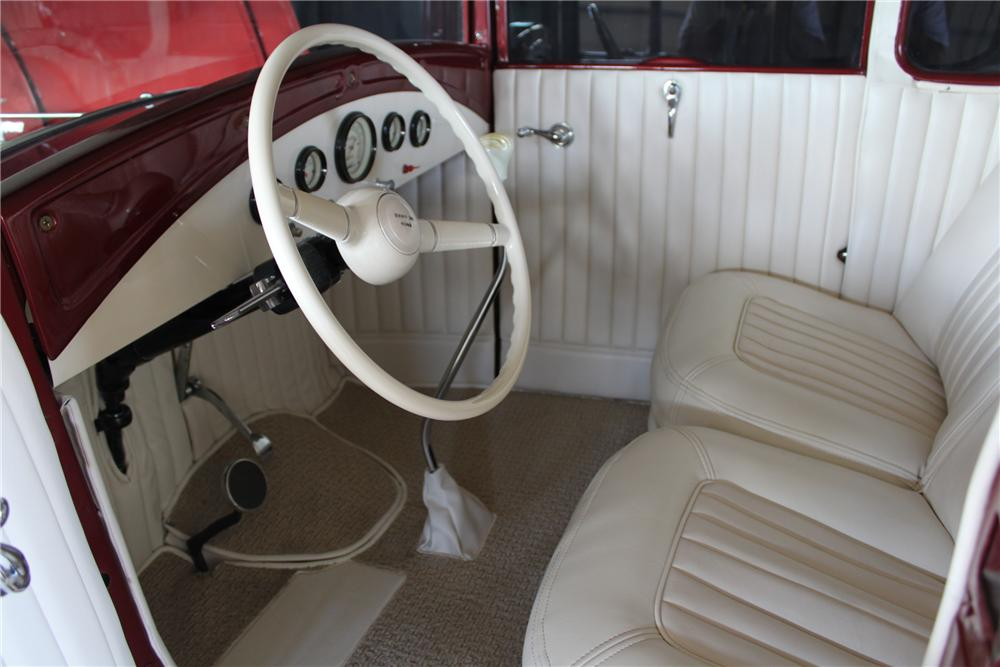 1931 FORD 5 WINDOW CUSTOM COUPE - Interior - 157814