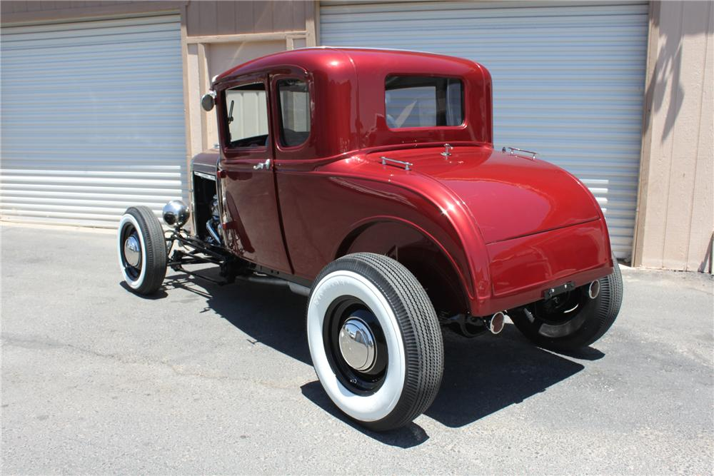 1931 FORD 5 WINDOW CUSTOM COUPE - Rear 3/4 - 157814