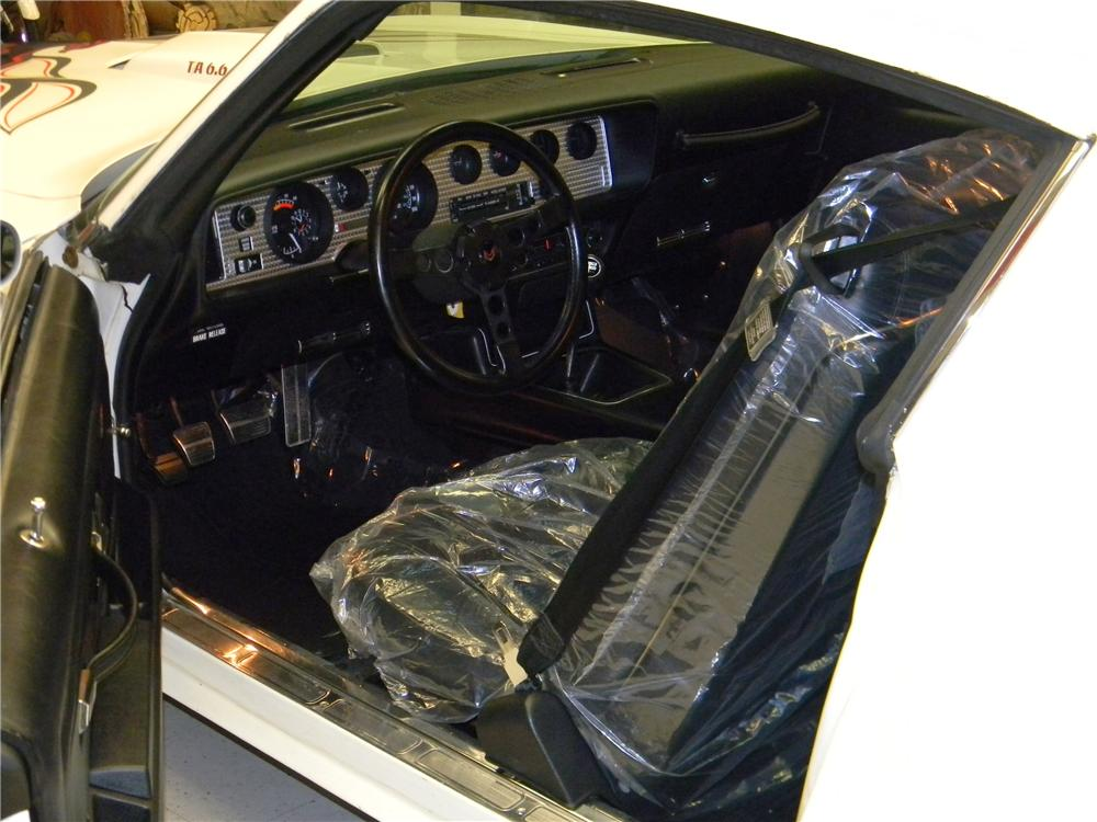 1977 PONTIAC FIREBIRD TRANS AM 2 DOOR COUPE - Interior - 157831
