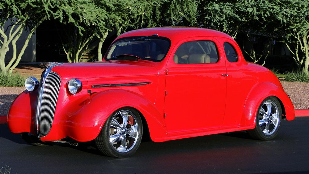1937 PLYMOUTH CUSTOM COUPE - Front 3/4 - 157840