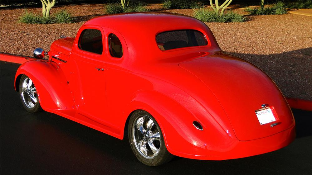 1937 PLYMOUTH CUSTOM COUPE - Rear 3/4 - 157840