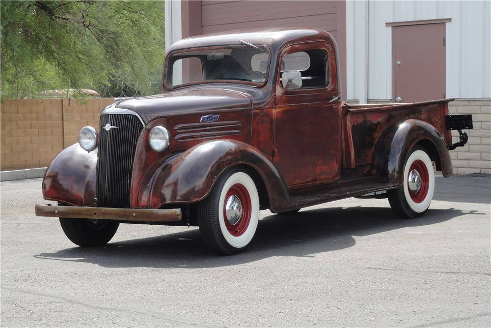 1937 CHEVROLET CUSTOM 1/2 TON PICK-UP - Front 3/4 - 157854