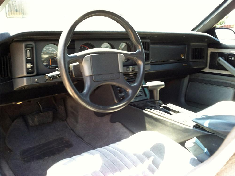1989 PONTIAC FIREBIRD FORMULA 2 DOOR COUPE - Interior - 157870