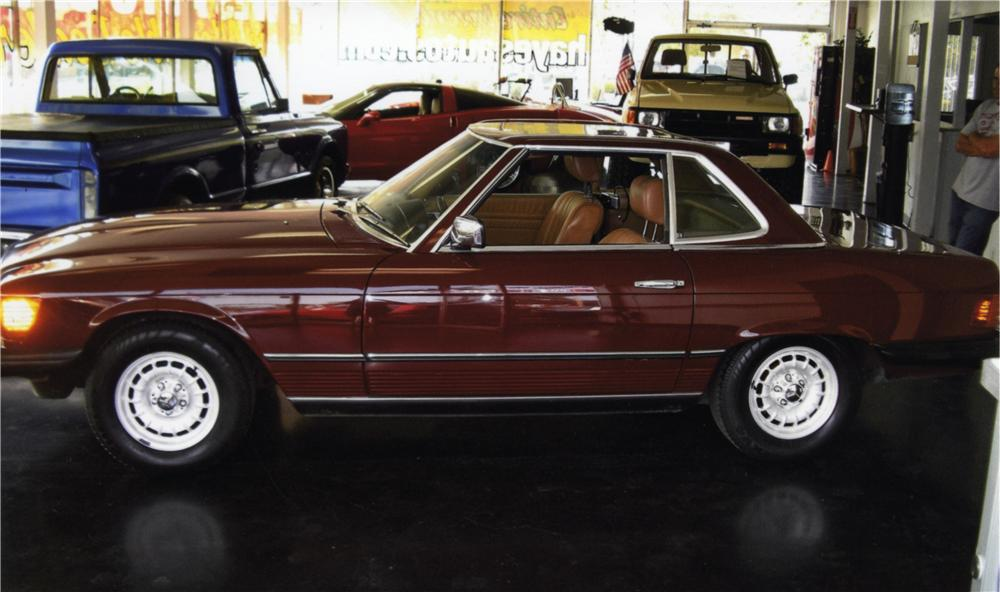 1984 MERCEDES-BENZ 380SL CONVERTIBLE - Side Profile - 157886