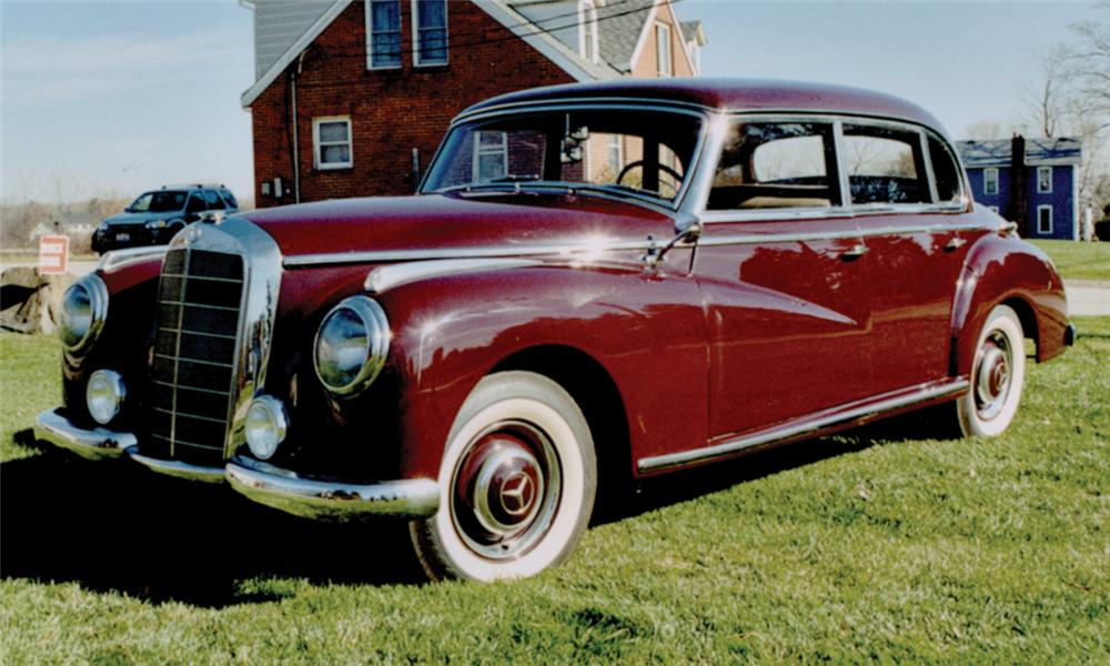 1952 MERCEDES-BENZ 4 DOOR HARDTOP - Front 3/4 - 15789