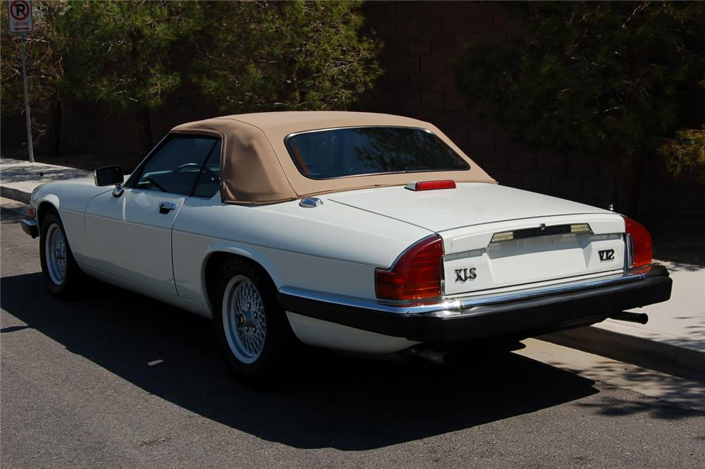 1990 JAGUAR XJS CONVERTIBLE - Rear 3/4 - 157911