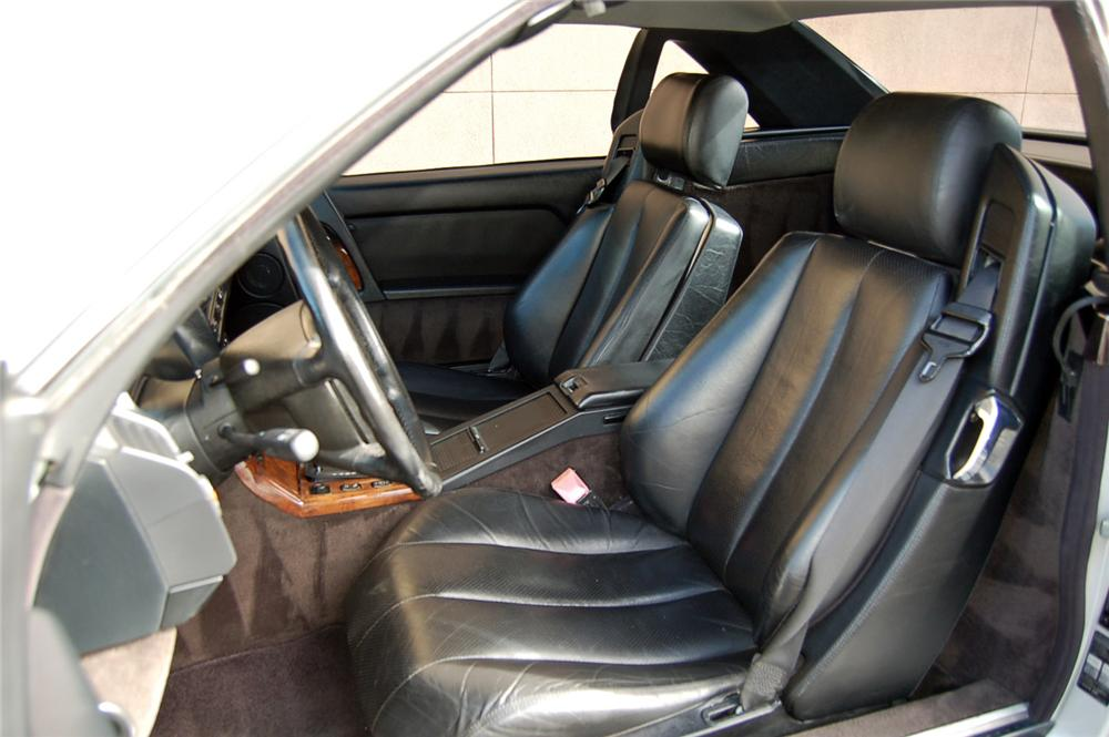 1991 MERCEDES-BENZ SL500 CONVERTIBLE - Interior - 157912