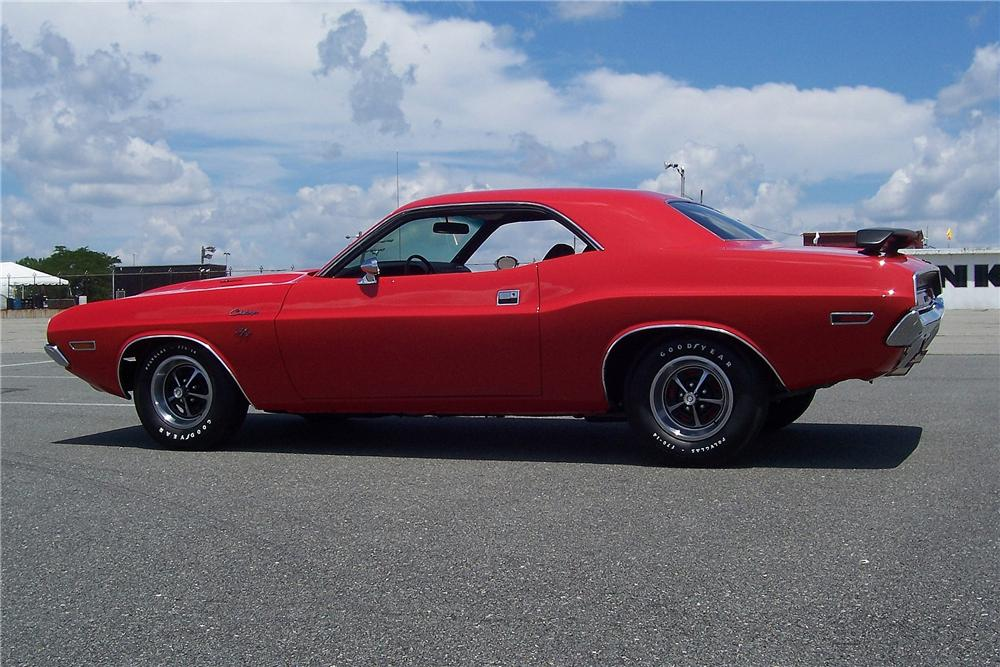 1970 DODGE CHALLENGER R/T 2 DOOR COUPE - Side Profile - 157914