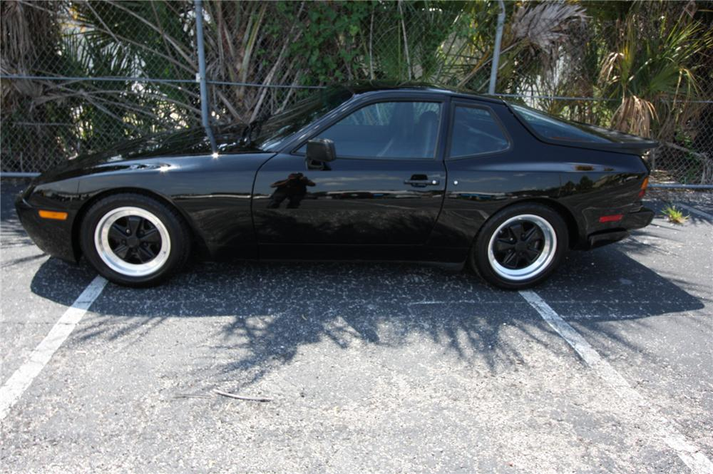 1986 PORSCHE TURBO 2 DOOR COUPE - Front 3/4 - 157939