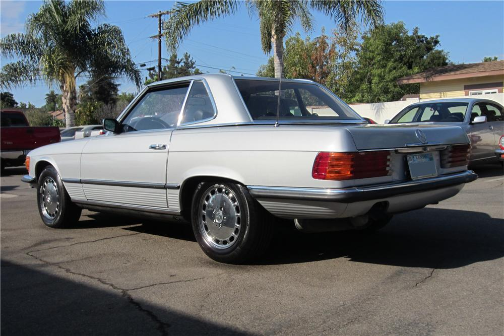 1979 MERCEDES-BENZ 350SL CONVERTIBLE - Rear 3/4 - 157963